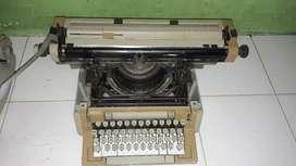 Dijual mesin tik antik