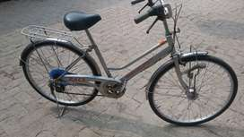 Japan cycle in a good condition. Auto light and SHEMANO 4 gars