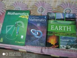 Very good condition book two math book rs aggarwal class8,9 and earth