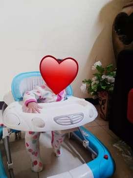 Baby walker / alat bantu jalan