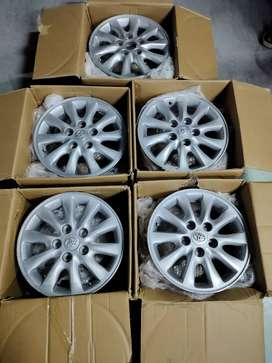 Innova 2015 V model Company Alloys for sale