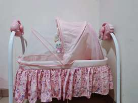 Tempat tidur bayi good conditions