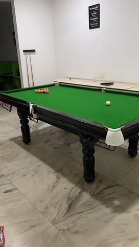 Pool Table in mint condition 8x4 size, less used.