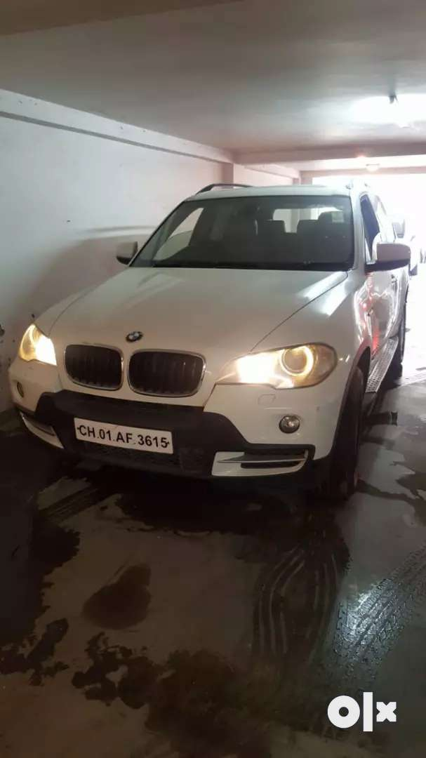 SELLING MY BMW X5 WHICH IS 2012 MODAL TOTTALLY WELL MAINTAINED CAR 0