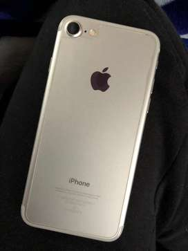 Iphone 7 32gb with all accessories