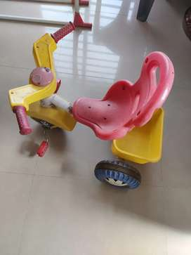 Kids three tyres cycle in good condition