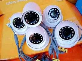 Teknisi spesialis pasang kamera cctv