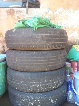 santro 4 wheel disk and 4 tyre