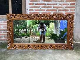 Cermin ukir an figura dinding kayu jati Code 3/4