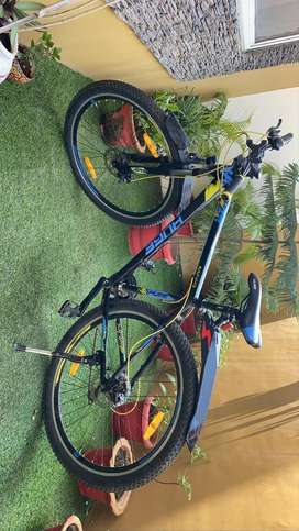 Huge HDT 29 T 21 Gear Mountain / Hardtall bicycle