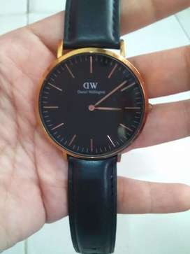 Jam tangan Daniel Wellington (DW)