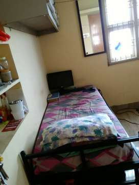 Men's Hostel/PG/Paying Guest with Food in Velachery Main
