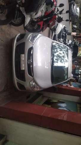 White board Maruti Suzuki Alto K10 Car is for sale.