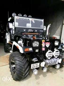Black willys jeep