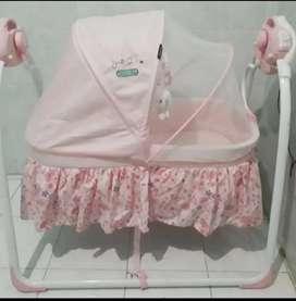 Tempat Tidur Bayi Mengayun Otomatis - Baby Elle Automatic Cradle Swing