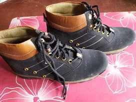 Shoes holder company