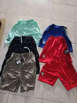 Colourful short pants celana