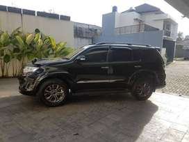 Dijual Toyota Fortuner Hitam VNT TRD G 2014