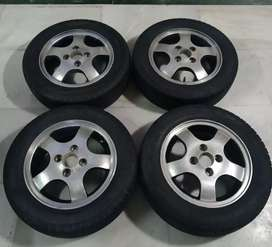 Alloy wheels with tubeless tyres 13 inch 165/65/R13
