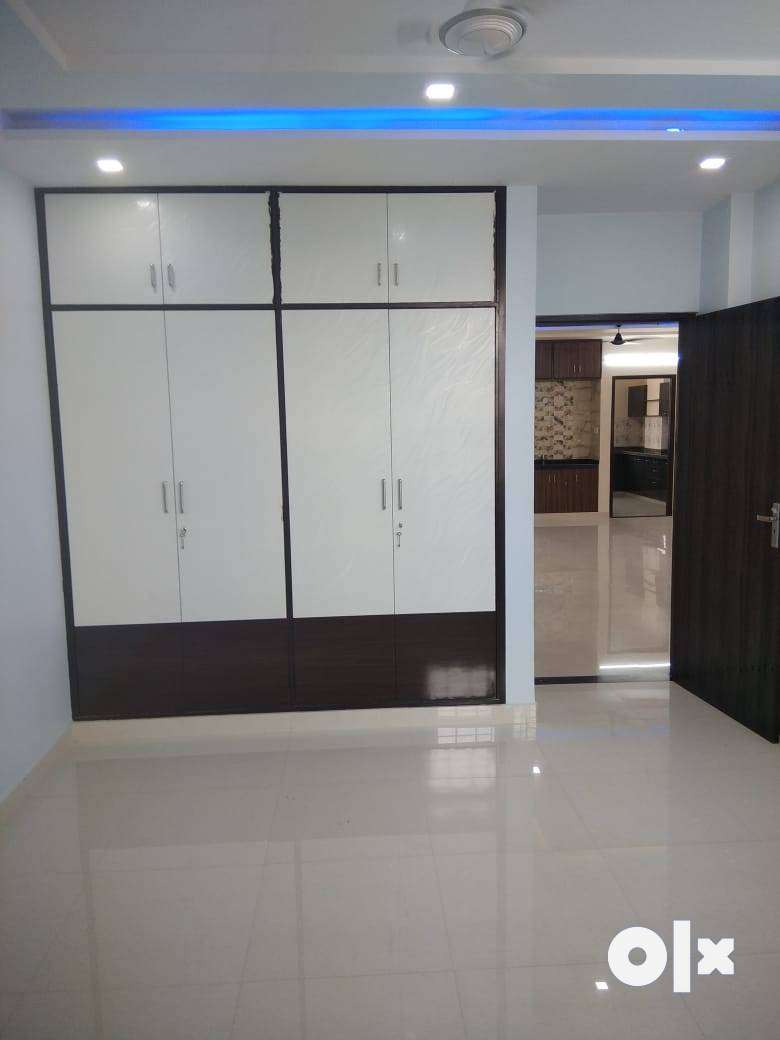 3 BHK Big Size Spacious Residential Semi Furnished Apartment Flat 0