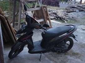 Dijual sepeda motor honda vario tahun 2015