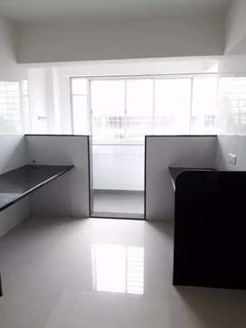 2bhk unfarnish flat