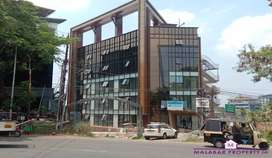 32000 SQFT OF COMMERCIAL BUILDING FOR RENT OR SALE