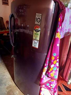 Refrigeterator 215 liters