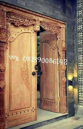 Kusen pintu ukir