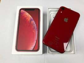I PHONE XR Battery health 100% / 128gb / box charger / headset /