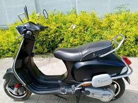 FIX PRICE , My vespa for sell Ladies use less driven singal owner