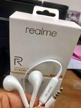Headset model Realme