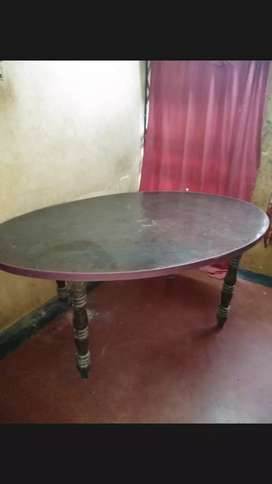 6 Seater Dining Table with 4 Plastic Chair