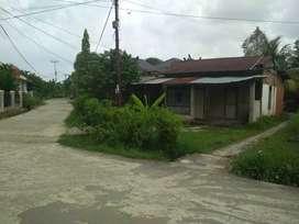 Rumah sederhana di jual cepat,lokasi pinggir jalan umum.