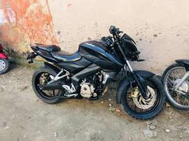 Bajaj pulsar 200 NS First owner showroom condition