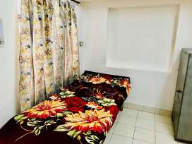 FULLY FURNISHED ONE ROOM SET FOR WORKING MALE