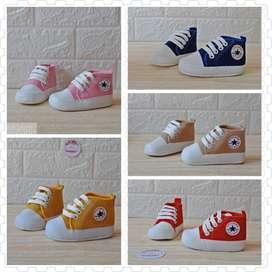 Sepatu Prewalker Bayi Unisex Converse