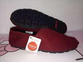 Sepatu slip on wakai