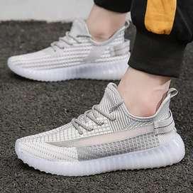 Sepatu snacker adidas