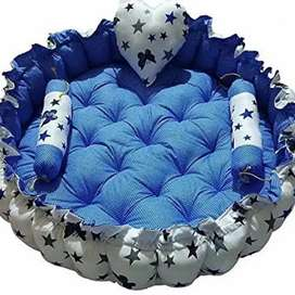 Round baby nest bed with 5 Reversible pillow