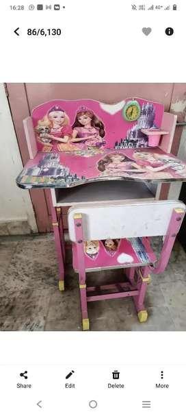 Barbie study table