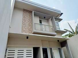 Harus Laku Tahun Ini !!     Rumah Baru Luas 250 di Kemang Murah!