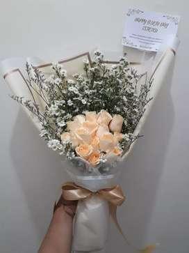 Buket bunga mawar semi holland