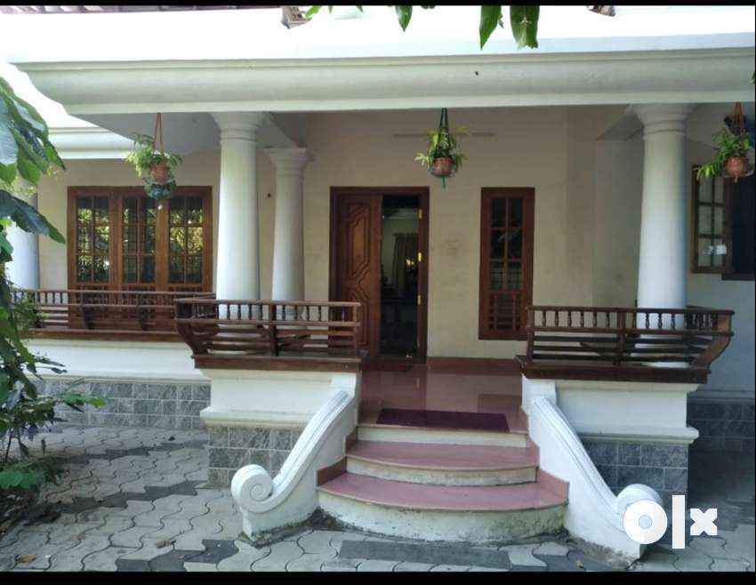 20 cents land, 3500sqft.villa, Teak wood Doors and windows 0