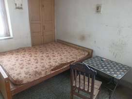 1 room furnished with separate bathroom (Boring water facilities)