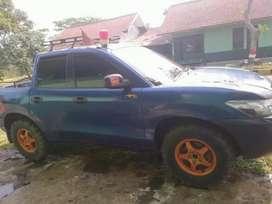 Mobil hyundai santa jeep dobel kabin