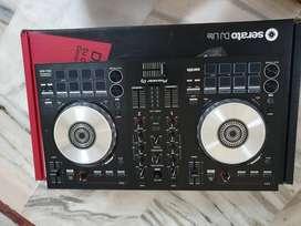 Pioneer DJ mixer DDJ SB3 compatible with Serato