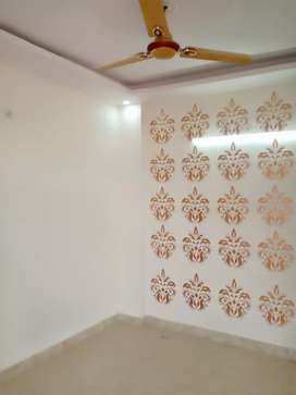 1 room set flat with bike parking in uttam nagar on 20 ft road