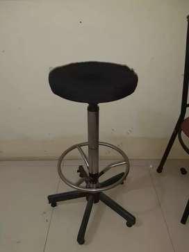 Kursi tempat duduk bar