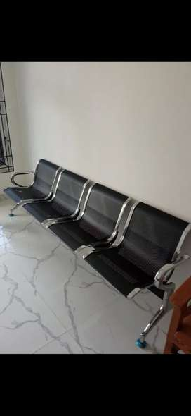 Kursi ruang tunggu/ bandara